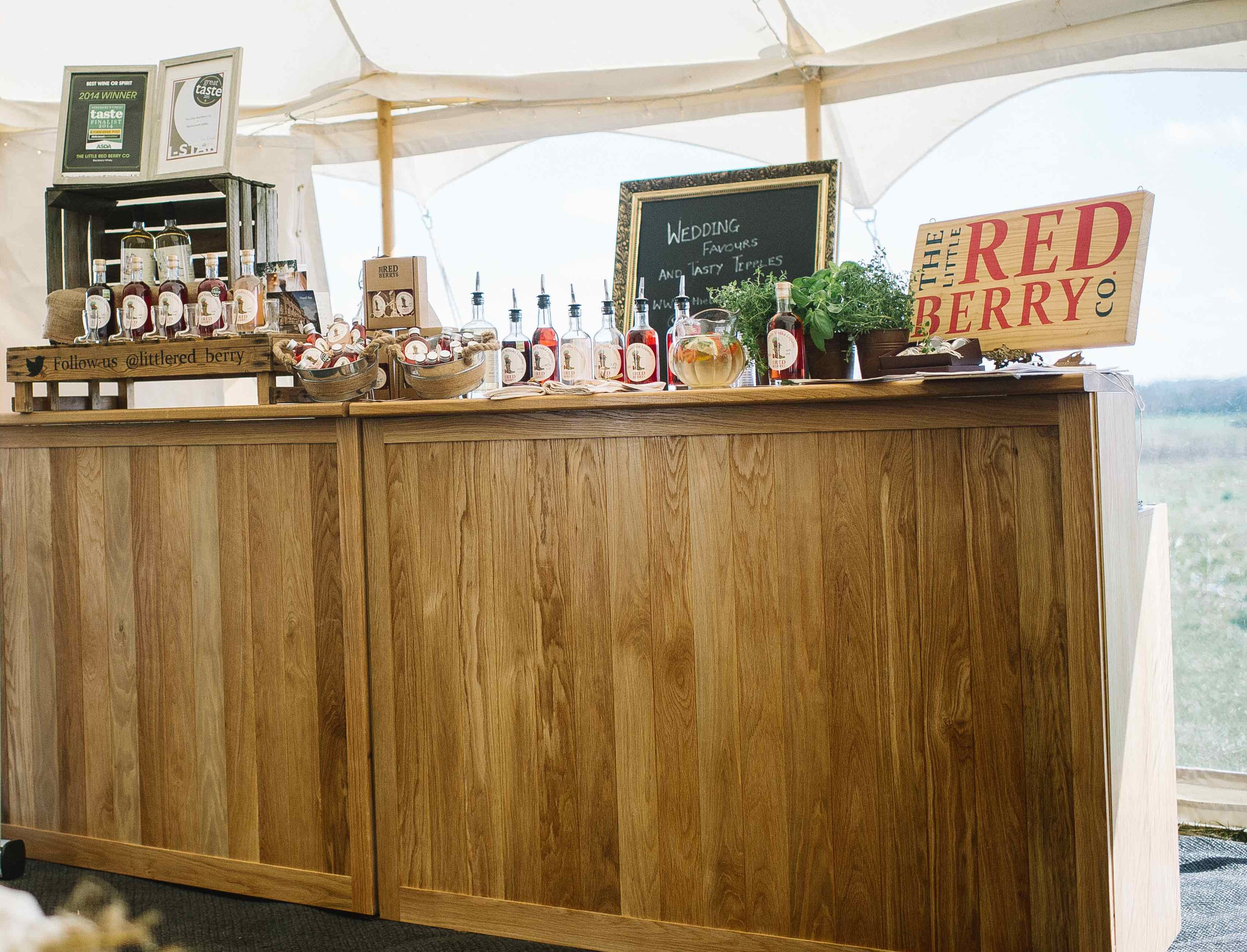Straight wooden bar