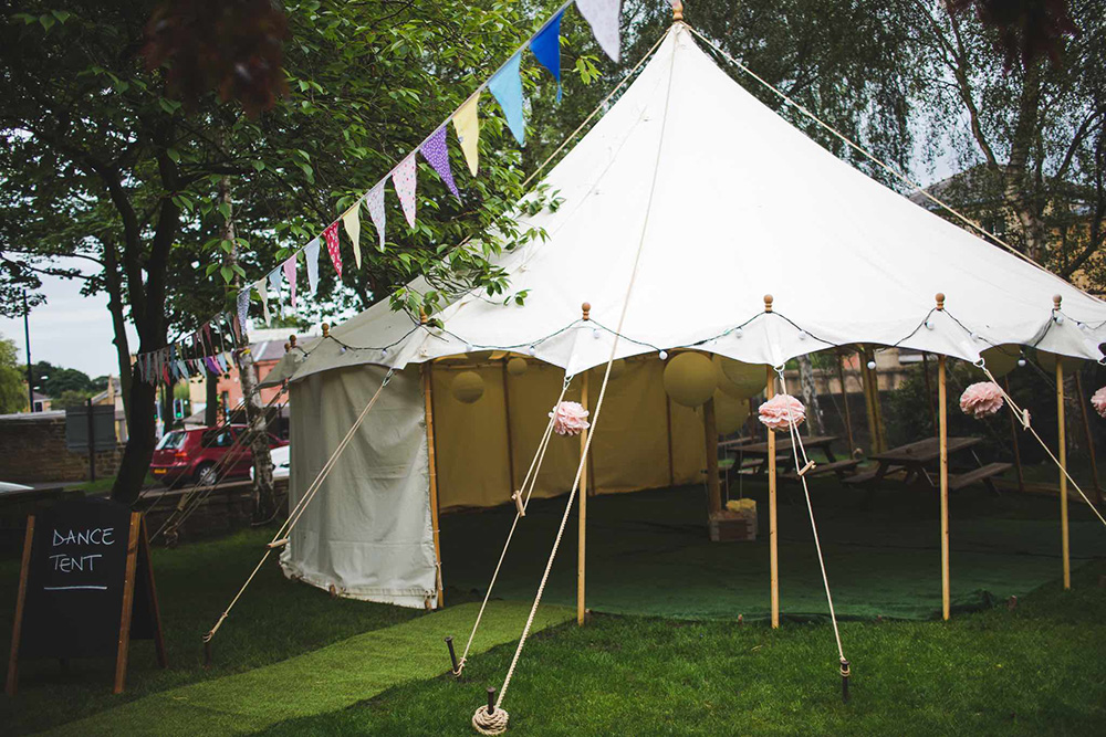 9x9m<br /> PETAL POLE MARQUEE