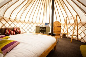 Yorkshire-Yurts_17ft-Yurts